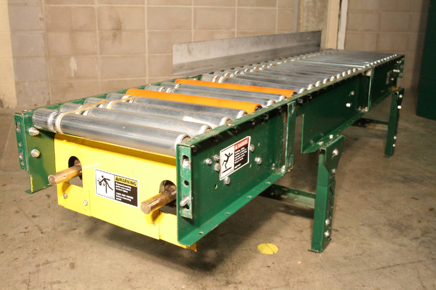 Alvey Steel Roller Conveyor 85 X 15 Roller Surface
